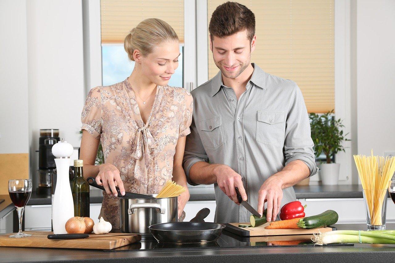 Jak urządzić kuchnię klasyczną? Praktyczne porady i pomysły aranżacyjne